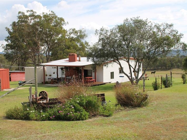 53 Four Mile Creek Road, Tenterfield, NSW 2372