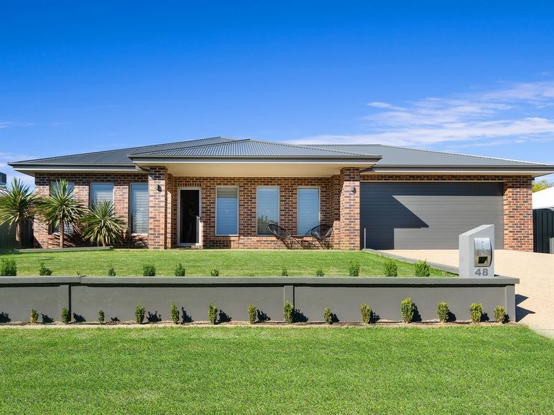 48 Boree Avenue, Forest Hill, NSW 2651