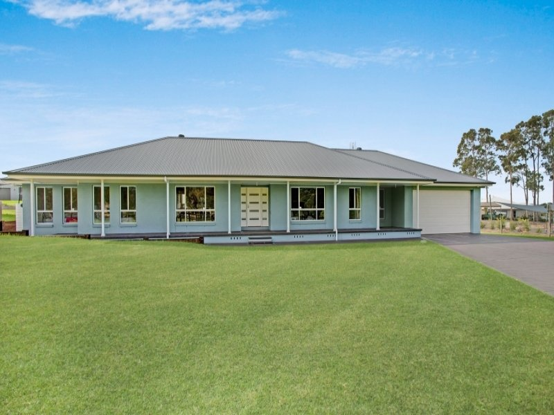 8 Quiescent Close, Louth Park, NSW 2320