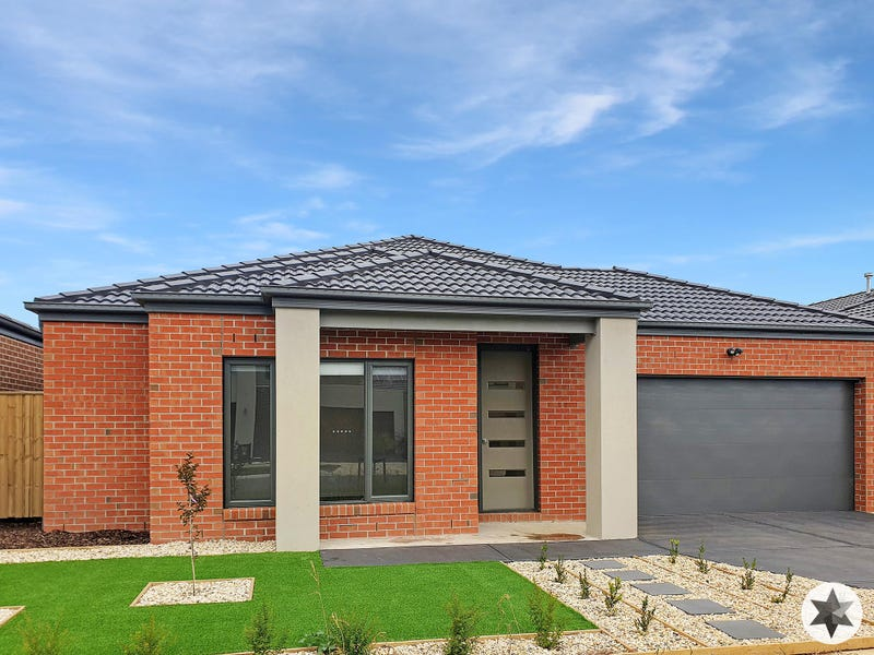 18 Stonemason Road, Clyde North, Vic 3978