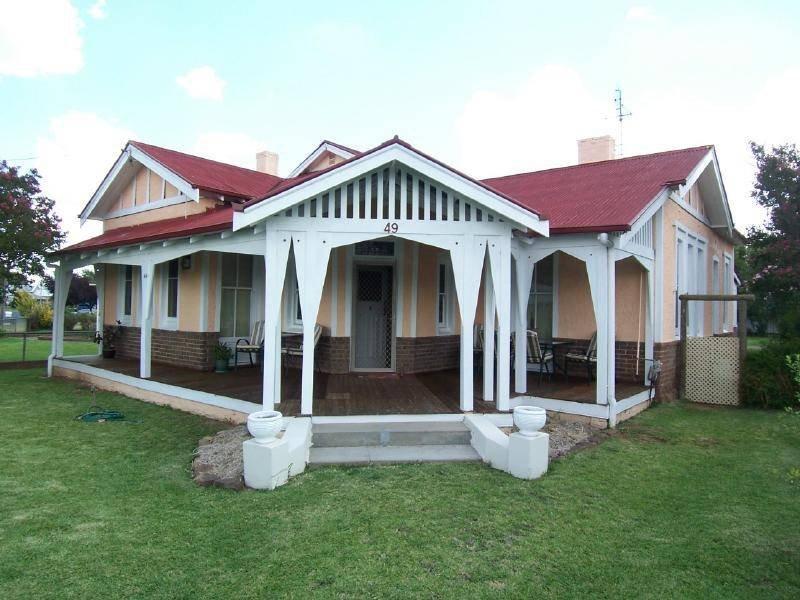 49 Parker Street, Cootamundra, NSW 2590