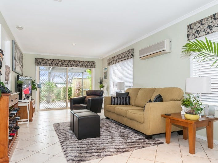 19 St Clair Parade, Greenwith