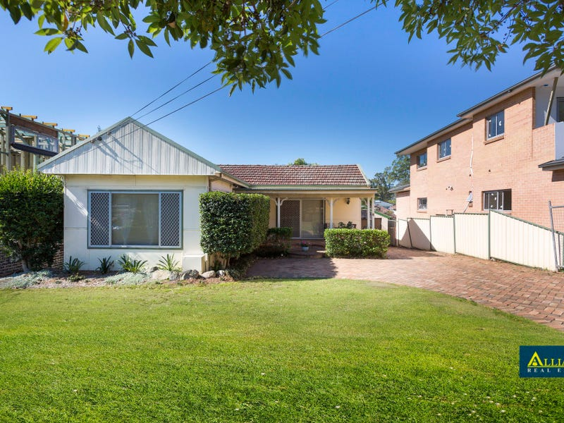 8 Woodburn Avenue, Panania, NSW 2213