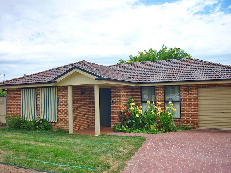 13 Binstead St, Blayney, NSW 2799