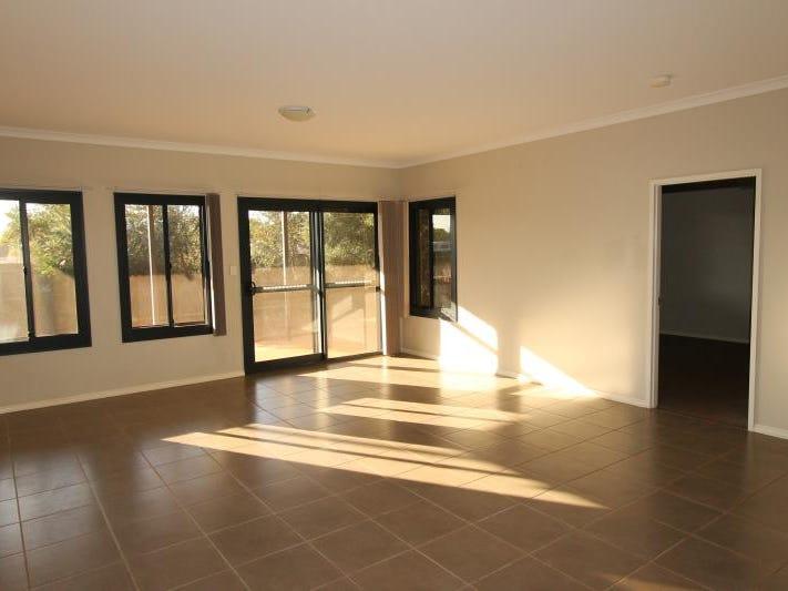 6 Dowitcher Avenue, South Hedland, WA 6722