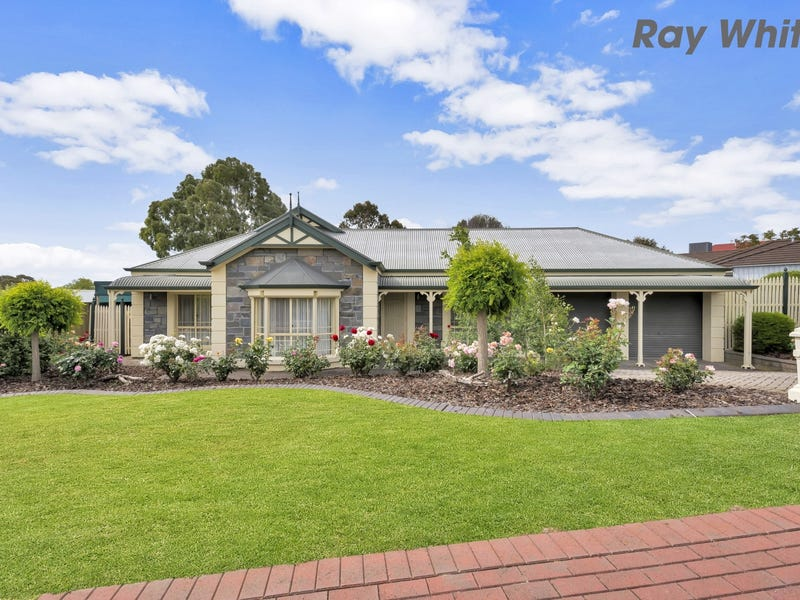7 Brookland Valley Drive, Woodcroft