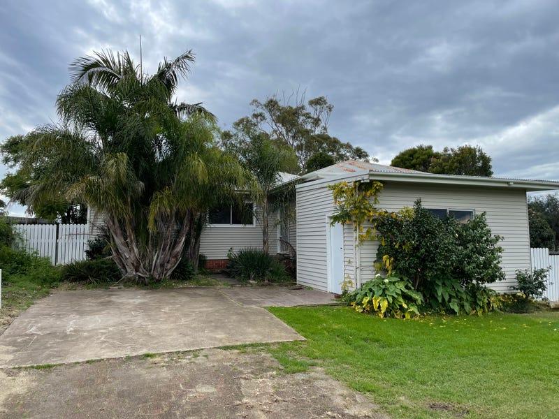 8 Shore Street, Moruya, NSW 2537