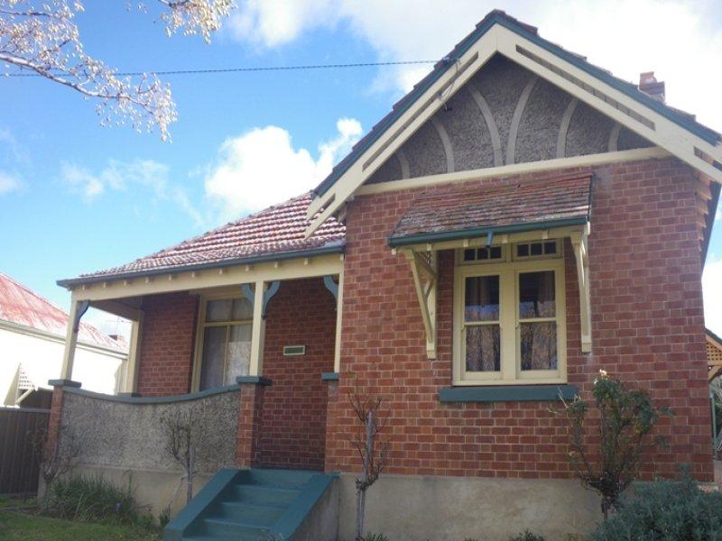 243 Stewart Street, Bathurst, NSW 2795