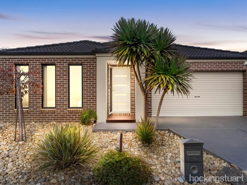 16 Vicky Court, Point Cook, Vic 3030