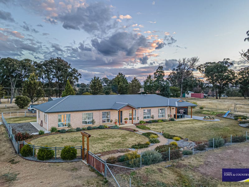 18 Barloo Road, Armidale, NSW 2350