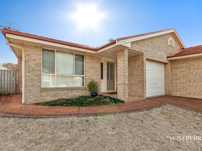 1/10 Daintree Crescent, Blue Haven, NSW 2262