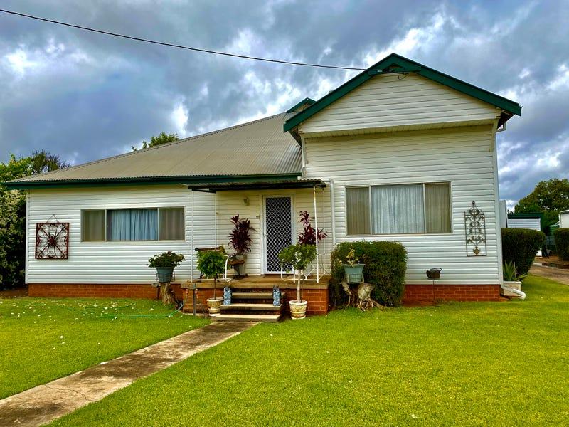 27 Warrior Street, Wee Waa, NSW 2388