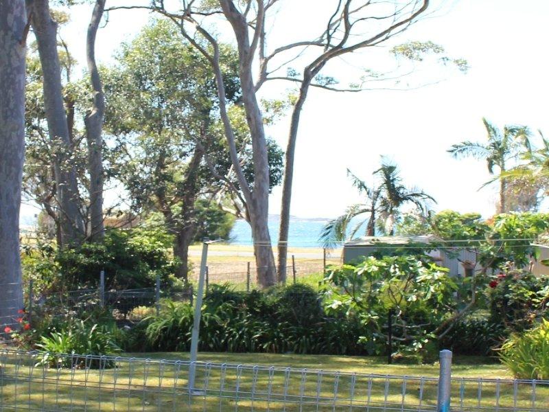 7 Youralla Avenue, Malua Bay, NSW 2536