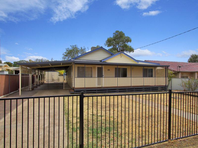 12 Edward Street, Tamworth, NSW 2340
