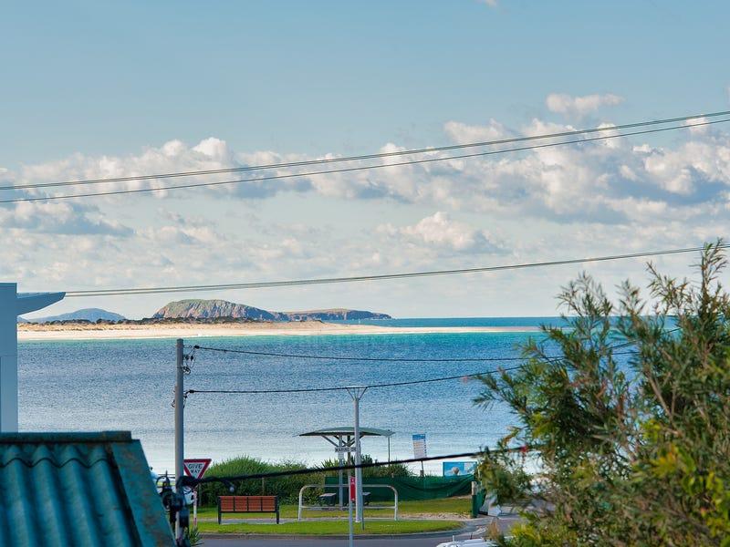 1/10 Boulder Bay Road, Fingal Bay, NSW 2315