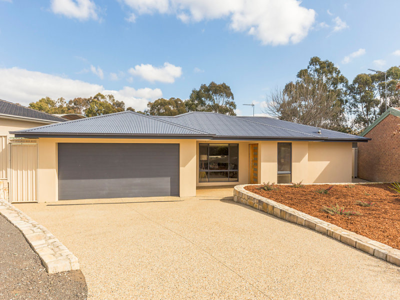 14 Connibere Crescent, Oxley, ACT 2903