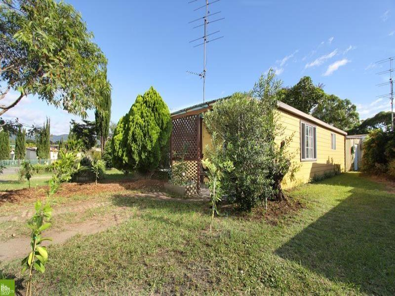98 Woodrow Place, Figtree, NSW 2525