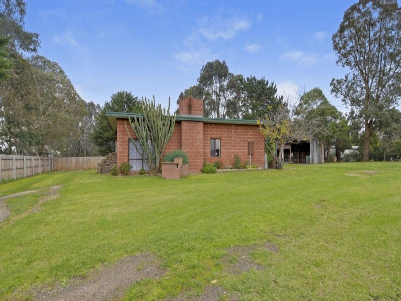25 Humphrey Road, Toongabbie, Vic 3856
