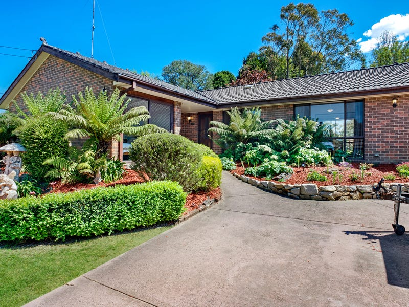 23 Cook Rd, Wentworth Falls, NSW 2782