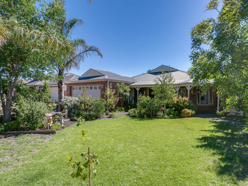 11 Somerset Place, Safety Beach, Vic 3936