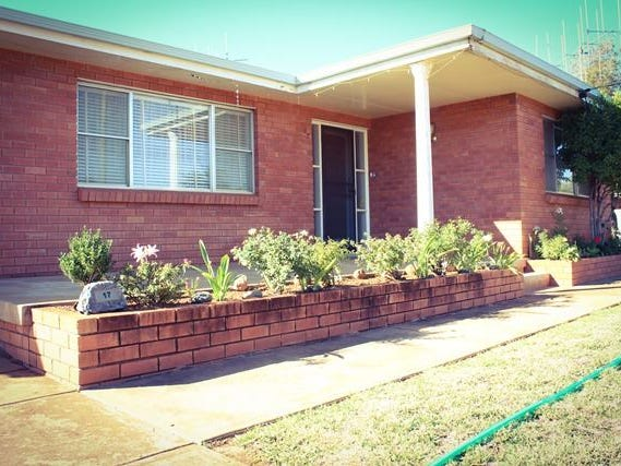 17 Molineaux Street, Cobar, NSW 2835