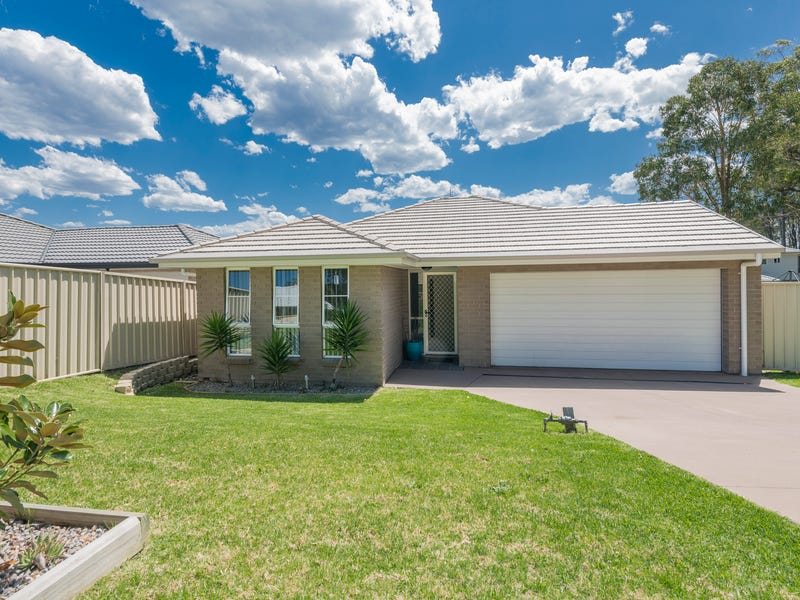99 Orchid Way, Wadalba, NSW 2259