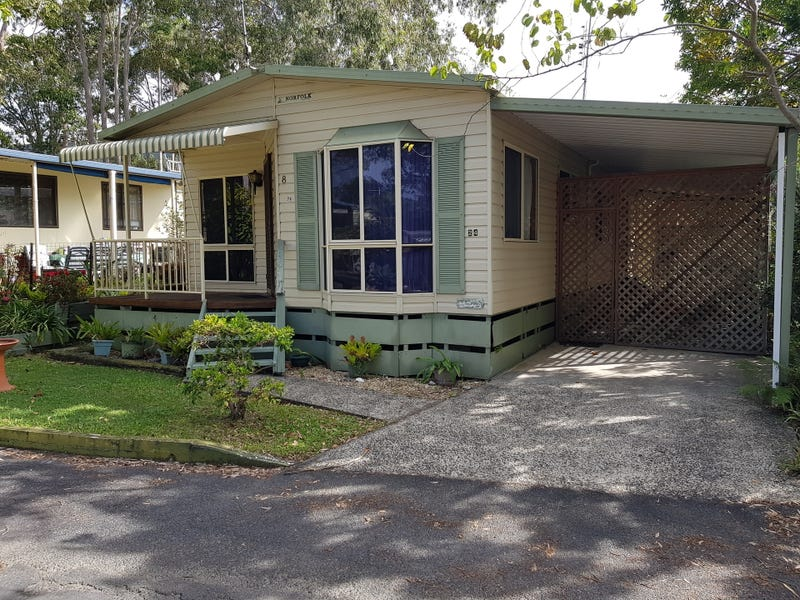 24/8 Hearnes Lake Road, Woolgoolga, NSW 2456