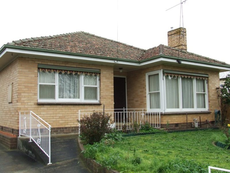 27 Drummond Street, Creswick, Vic 3363