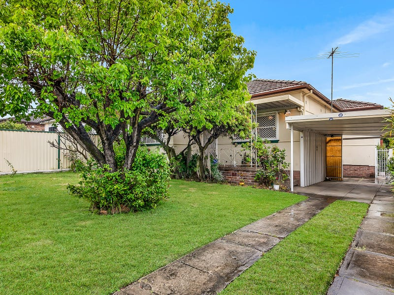 92 Hillcrest Avenue, Greenacre, NSW 2190