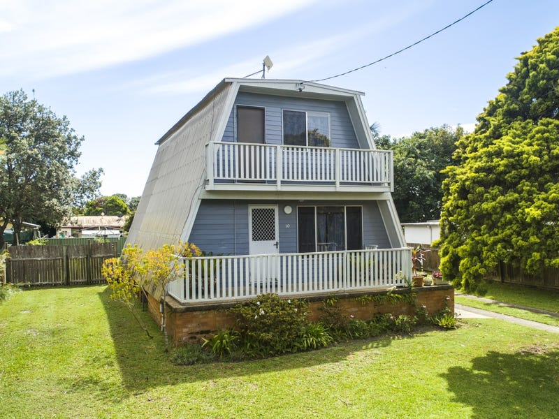 10 Eleventh Avenue, Stuarts Point, NSW 2441