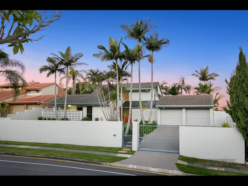 83 Greenford Street, Chapel Hill, Qld 4069