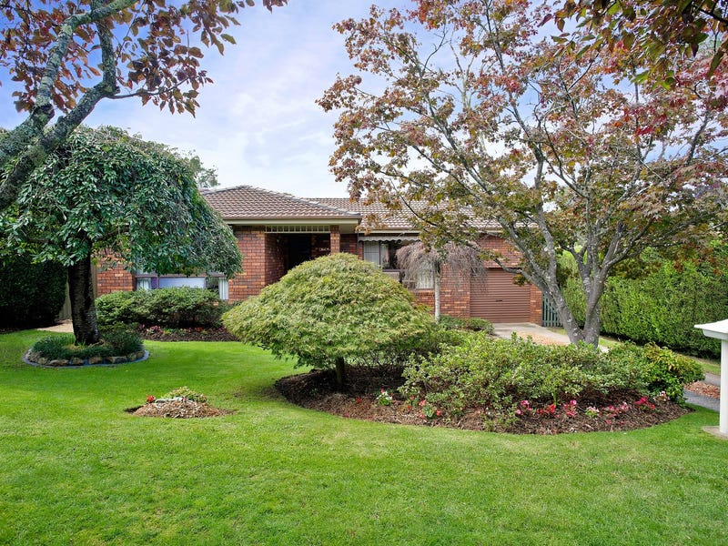 33 Hill Street, Wentworth Falls, NSW 2782