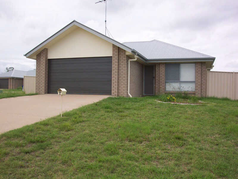 6 Hayden Place, Moura, Qld 4718