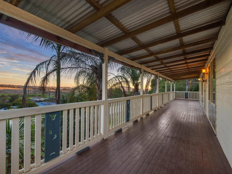 28 Treeline Drive, Gowrie Junction, Qld 4352
