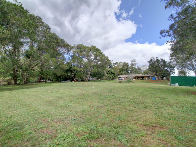 16-18 Mill Hill Road, Montville, Qld 4560