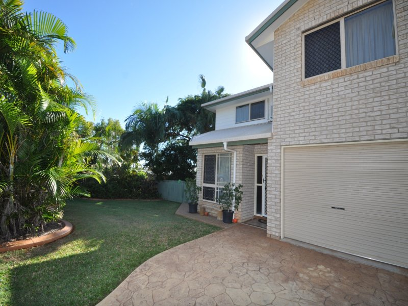 1 and 2/4  Cottonwood Place, Taranganba, Qld 4703