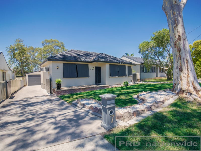 7 Hartzer Close, Tarro, NSW 2322