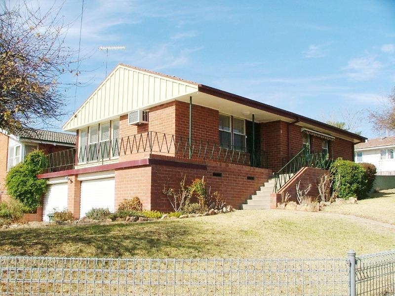 2 Currawong Street, Bathurst, NSW 2795