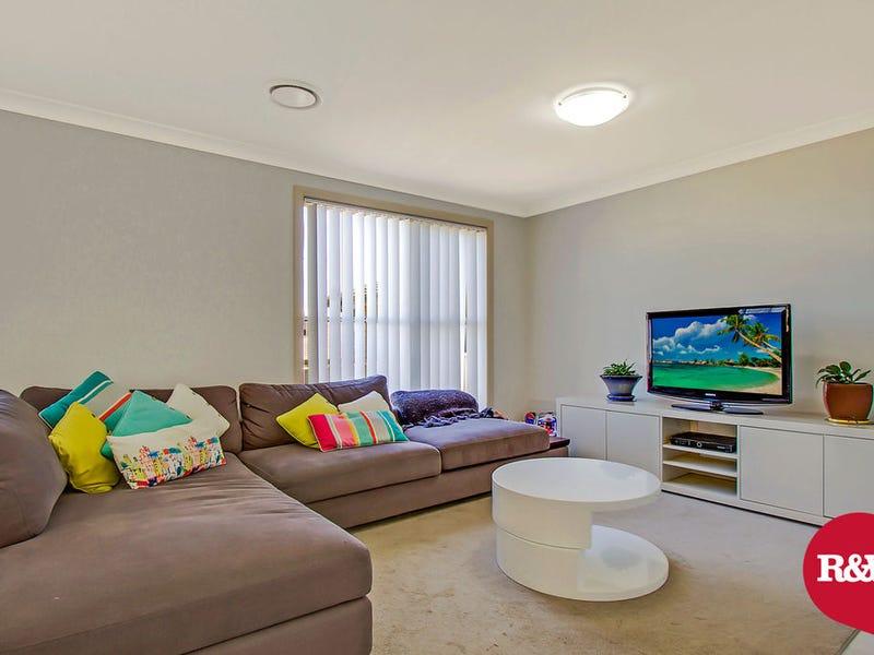 90 Greenwood Parkway, Jordan Springs, NSW 2747