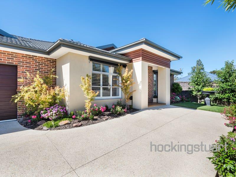 8a Dickinson Grove, Mount Martha, Vic 3934