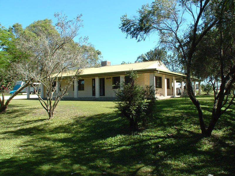 8 Scotts Road, Palmyra, Qld 4751