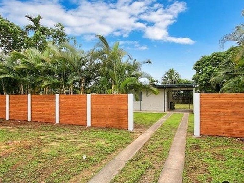 8 McGregor Street, Manoora, Qld 4870