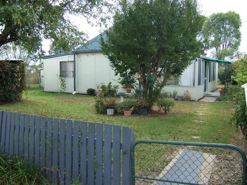 8 Muirhead St, Bundarra, NSW 2359