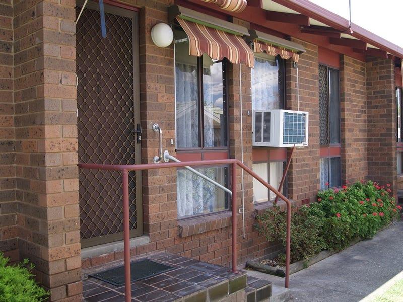 2/405 Griffith Road, Lavington, NSW 2641