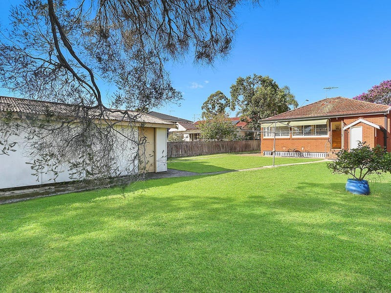 61 Palmerston Road, Hornsby, NSW 2077