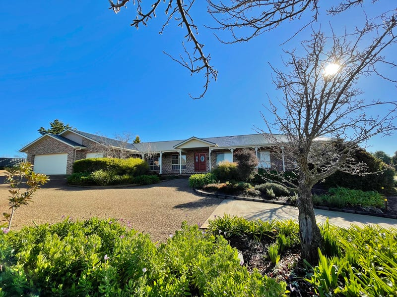 13 Nellee Place, Young, NSW 2594