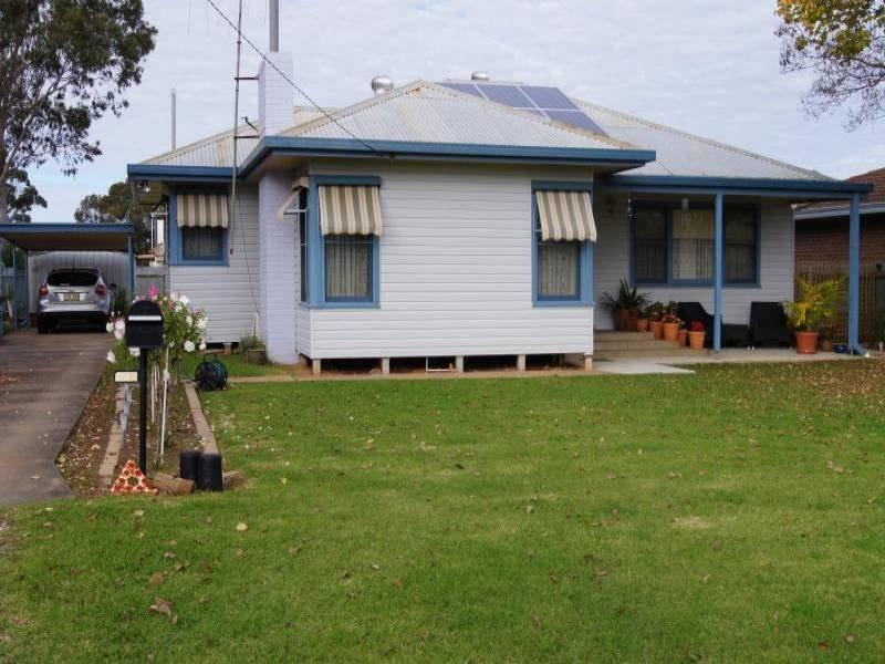 100 Denison Street, Finley, NSW 2713
