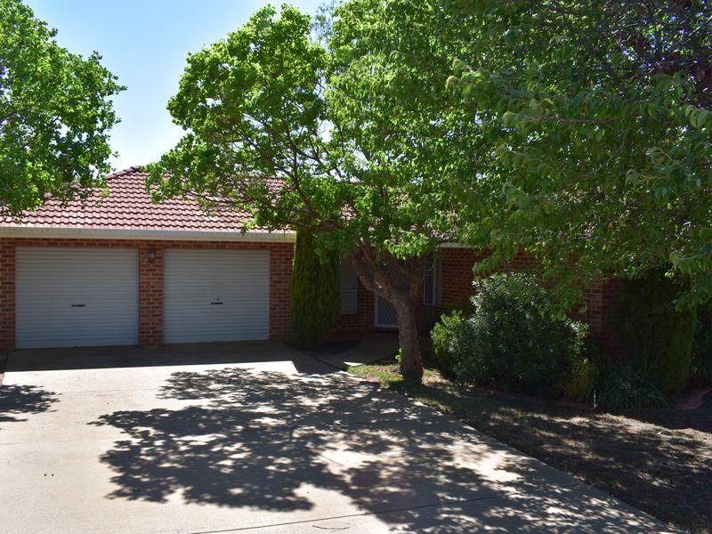 7 Cobden Place, Parkes, NSW 2870