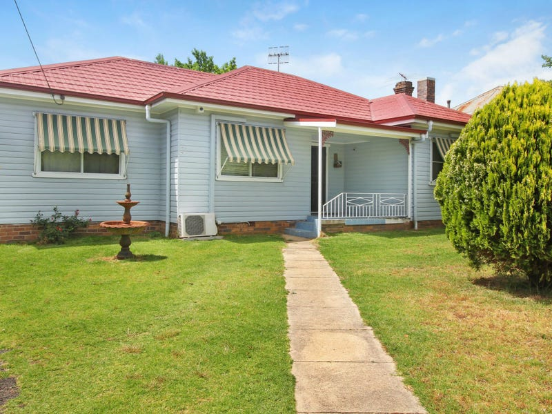 122 BRIDGE STREET, Uralla, NSW 2358