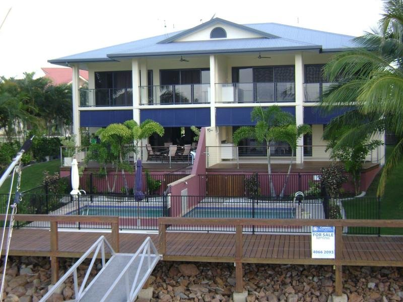 Unit 1/45 Royal Avenue, Cardwell, Qld 4849